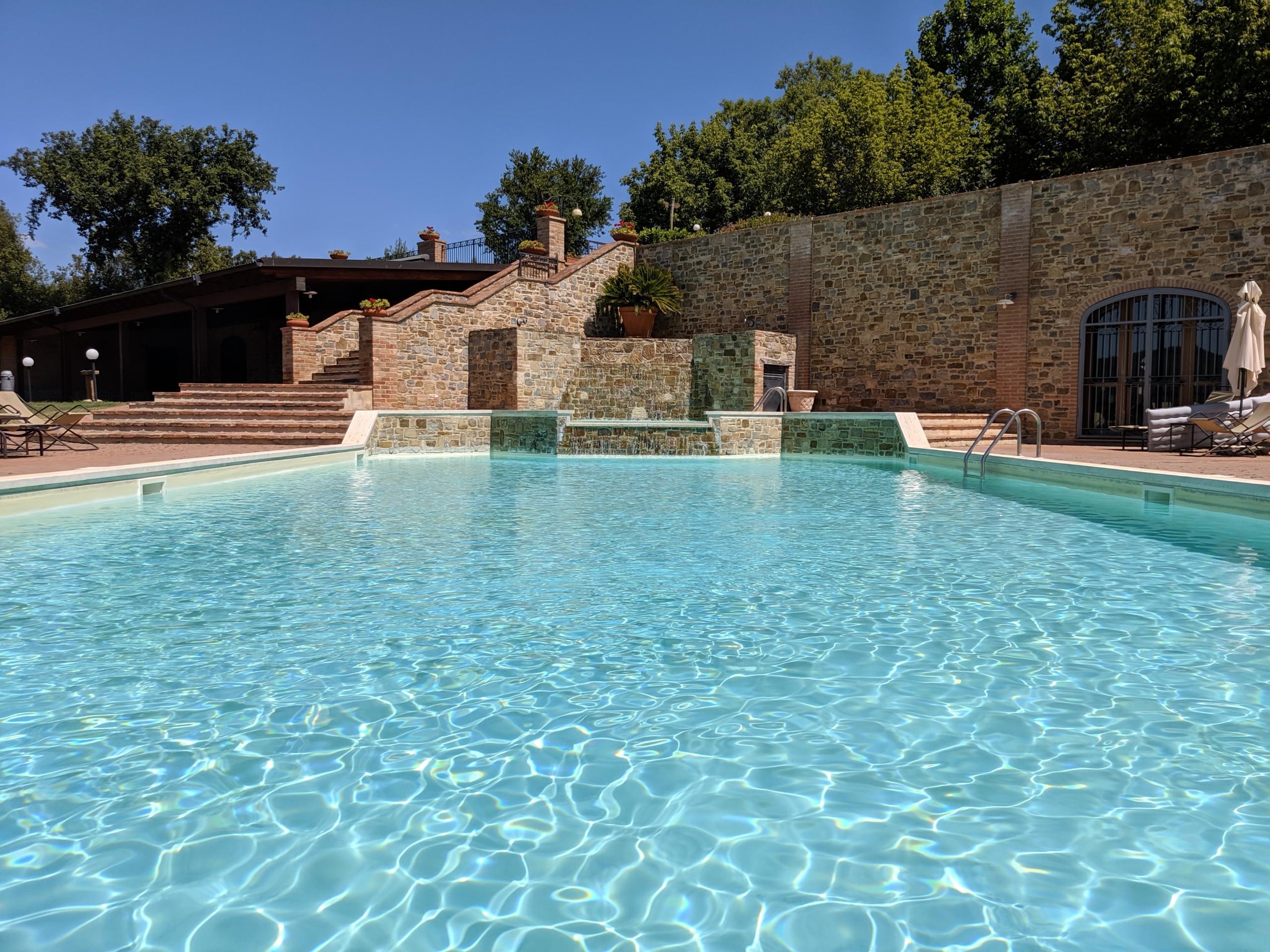 agriturismo lago trasimeno con piscina